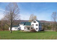Classic Vermont farmhouse in Lincoln