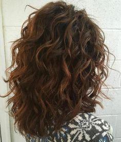 Cortes de cabello en capas pelo chino
