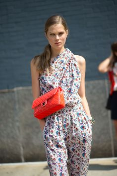 Girl on the Street: New York Fashion Week: Print and complementing bright bag