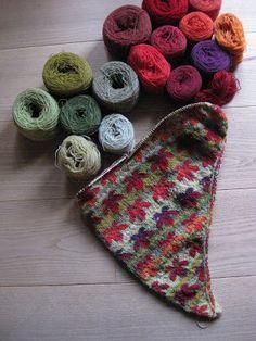 Ravelry: Leaf-Fall Shawl - English version pattern by Bodil Munch Fall Knitting, Fair Isle Knitting, Knitting Stitches, Knitting Designs, Knitting Patterns Free, Knitting Projects, Crochet Patterns, Sock Knitting, Knitting Tutorials