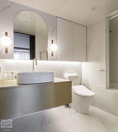 Bathroom Design Small, Bathroom Interior Design, Apartment Interior, Interior Architecture, Decor Styles, Toilet, Bath Room, Bathtub, Bathroom Marble