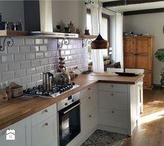 Aranżacje wnętrz - Kuchnia: Płytki kuchenne - Projekt Kawka . Przeglądaj, dodawaj i zapisuj najlepsze zdjęcia, pomysły i inspiracje designerskie. W bazie mamy już prawie milion fotografii!