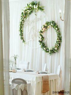 dekoracja ślubna - wianki - Pakamera.pl Indoor Wedding Decorations, Bridal Table Decorations, Stage Decorations, Tent Wedding, Wedding Table, Rustic Wedding, Wedding Flower Arrangements, Wedding Flowers, Floral Hoops