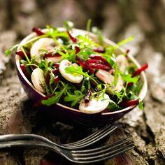 Découvrez la recette de la salade de roquette, betterave et champignons de Paris