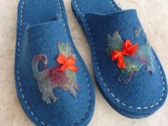 Diane's Lancashire Heeler Slippers made from a Joe's Toes slipper kit with her own felted dog applique. Sooo cosy!