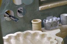 Corte dei granai - lavabo in pietra leccese by bianco cave