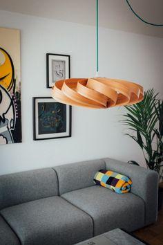 Lampe aus Holzfurnier