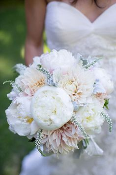 Fluffy white peonies and dahlia bridal bouquet Mod Wedding, Floral Wedding, Wedding Flowers, Wedding Blog, Trendy Wedding, Chic Wedding, Wedding Ideas, Purple Wedding, Wedding Summer
