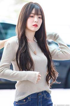 Irene-Redvelvet 190729 Incheon Airport to HongKong Red Velvet アイリーン, Red Velvet Irene, Seulgi, Kpop Girl Groups, Kpop Girls, Korean Beauty, Asian Beauty, Red Valvet, Velvet Fashion