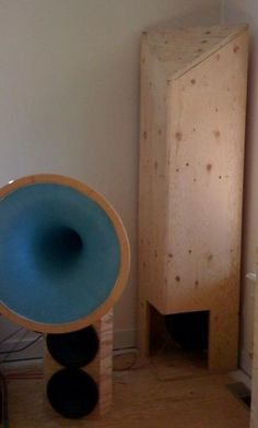 DIY tapped horn sub - The Paper Horn by Inlow Sound
