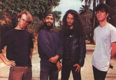 Soundgarden with palm trees just kinda looks odd to me
