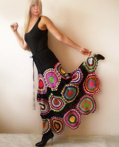 Plus size clothing Long Black Skirt with crochet circles - M.- Plus size clothing Long Black Skirt with crochet circles – MADE TO ORDER would i dare to wear this if knew how to crochet? Crochet Skirts, Crochet Clothes, Mode Crochet, Knit Crochet, Flamenco Skirt, Crochet Circles, Plus Size Kleidung, Gypsy Skirt, Cute Skirts