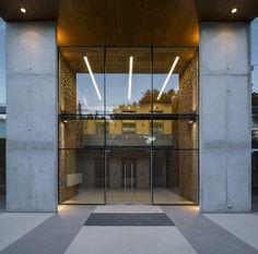 Francisco de Aguirre Building / Stein-Suazo Arquitectos | Netfloor USA