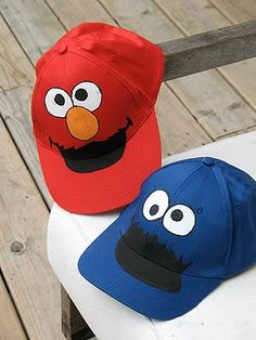 DIY Cookie Monster and Elmo Hats for a Sesame Street Birthday Party Elmo Costume Toddler, Toddler Boy Halloween Costumes, Family Costumes, Kid Halloween, Haunted Halloween, Halloween Parties, Halloween 2015, Halloween Treats, Elmo And Cookie Monster