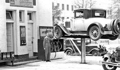 Right Greasing – Right Here – Safe Lubrication Pays – All Ways Vintage Cars, Antique Cars, Old Gas Stations, Old Factory, Gas Pumps, Car Shop, Old Trucks, Old Cars, Old Photos