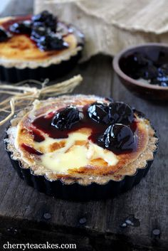 Cherry Tea Cakes: Lemon Mascarpone Brulee with Cherry Compote. Homemade mascarpone, short crust, lemon curd, and cherry compote. Lemon Desserts, Just Desserts, Delicious Desserts, Dessert Recipes, Yummy Food, Dessert Healthy, Cherry Compote, Fruit Compote, Blueberry Compote