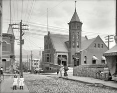 """Newburgh, New York, circa 1906. """"Post Office and Second Street.""""  Detroit Publishing Company"""