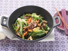 Habt ihr schon mal mit Pak Choi gekocht? Es ist das schnellste Gemüse für die Pfanne, dass wir kennen. Hier gibt's dasRezept.