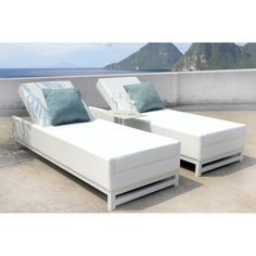 sun lounger is a classic design. With 5 height positions and a comfortable bed area the Taze is perfect for lounging by the pool or on a terrace, with the optional side table to maximise relaxation Rattan Outdoor Furniture, Outdoor Decor, Sun Lounger, Terrace, Furniture Sets, Relax, Bed, Classic, Table