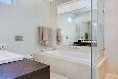Villa Olivier - Second bathroom - Nox Rentals