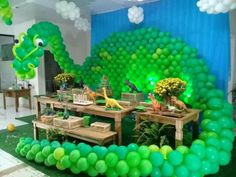 Dinossauros Park Birthday, 3rd Birthday Parties, Birthday Party Decorations, Party Favors, Dinosaur Party Decorations, Birthday Themes For Boys, Dinosaur Birthday Cakes, Balloon Decorations, Blue Things