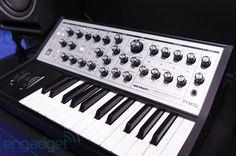 Moog Sub Phatty analog synthesizer hands-on (video)