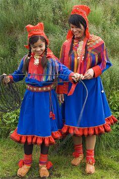 Folk Costume of Sami Costumes Around The World, Folk Dance, Cultural Diversity, Folk Costume, World Cultures, People Around The World, Traditional Dresses, Scandinavian, Beautiful People