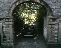 The Rough & The Smooth (1989) Ferndale, Market Place, Middleham, Wensleydale, North #Yorkshire -  The home of the Darnley sisters. #James_Herriot #All_Creatures_Great_And_Small #Yorkshire_Dales
