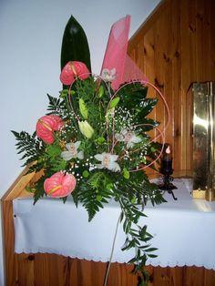 kompozycje na ołtarz - anturium, storczyki, lilie, margaretki