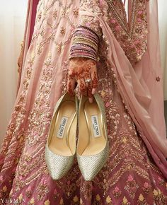 Bridal outfits selected, jewellery done, make up arrangement finalized. But one of the important things that left to be done is shopping for bridal footwear. Bridal Flats, Wedding Shoes, Bridal Footwear, Bridal Lehenga, Saree Wedding, Wedge Heels, High Heels, Bridal Outfits, Manolo Blahnik