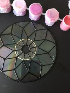 icu ~ Pin on Crafts ~ Peel and Paint a CD to Put New Spin on Sun Catchers Recycled Cds, Recycled Art Projects, Recycled Crafts, Diy Projects, Kids Crafts, Summer Crafts, Diy Crafts To Sell, Arts And Crafts, Crafts With Cds