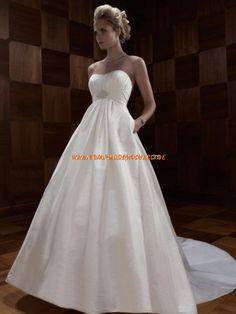 Brautkleid aus Satin Bodenlang A-Linie Trägerlos mit Schleppe