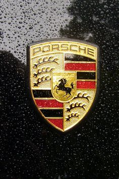 The Porsche 918 Spyder is a Hybrid supercar with a limited production of 918 units that ended in The car is available as a coupe and as roadster. Porsche Sports Car, Porsche Cars, Porsche Logo, My Dream Car, Dream Cars, Volkswagen, Cars Vintage, Ferry, Porsche 944