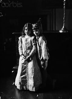 Elizabeth Bowes Lyon (later the Queen Mother) and her brother in fancy dress, 1909.