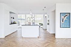 Få gode til, hvordan du får en bedre planløsning i din bolig Kitchen Interior, New Kitchen, Interior Design Living Room, Living Room Decor, Kitchen Decor, Kitchen Design, Kitchen Ideas, Interior Design Videos, Messina