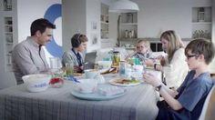 publicité télé - borne universelle de bell - dîner de famille – la science et la technologie
