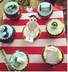 He works out! :p #gym #gyming #fitnessfreak #gymthemecupcakes #themecupcakes #cupcakes #cuppies #dumbells #treadmill #weights #towel #fitness #gymtheme #boy #workout #cardio #atyummy #chocolatecupcakes #customisedcupcakes #figurine #fondant #fondantfigurine