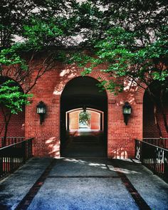 The arches of Old Main, Baylor University