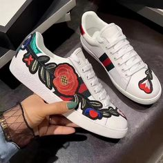 GUCCI Ace Embroidered Low-Top Sneaker White shoes