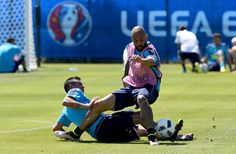 """Simone #Zaza (R) and Stefano #Sturaro of Italy compete for the ball during the training session at """"Bernard Gasset"""" Training Center on June 9, 2016 in Montpellier, France."""