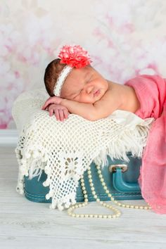 Newborn Photography, Newborn posing ideas,Baby photography,little girls, newborn girls, baby girl, props, Minnesota, Studio photography, antique suitcase, pink