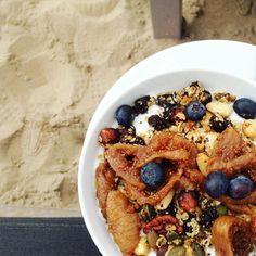 Ziet dat er even goed uit  #ontbijt #beach #rapanui #yoghurt #food