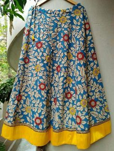 Ideas For Moda Casual Chic Ideas Necklaces Kalamkari Designs, Choli Designs, Blouse Designs, Kalamkari Skirts, Frocks And Gowns, Skirts For Kids, Moda Chic, Indian Designer Wear, Printed Skirts