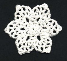 Crochet Snowflake - Tutorial ❥ 4U // hf could also do in green to use as a leaf base for a flower