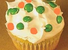 Irish Flag Cupcakes : This is a quick and easy recipe that is festive for St. Patrick's Day
