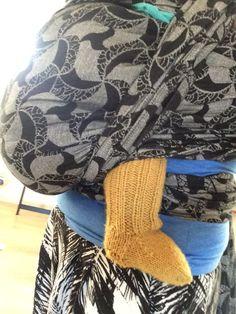 Strikkeopskrift babysokker | Gratis opskrift på baby sokker | Fuldtidsmor.dk Baby Knitting Patterns, Crochet Pattern, Knit Crochet, Knitting Ideas, Drops Design, Drops Baby, Baby Barn, Rose Marie, Designer Baby