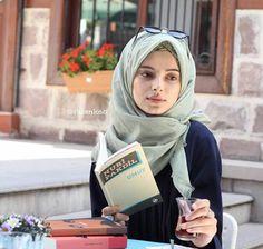 Modest Fashion Hijab, Street Hijab Fashion, Casual Hijab Outfit, Hijab Dress, Muslim Fashion, Hijabi Girl, Girl Hijab, Muslim Girls, Muslim Women