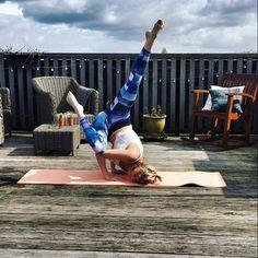 Time to practice some arm balances! Next step: lifting my head😮 #nevergiveup #yogagoals #yogainspiration #armbalance #yogapose