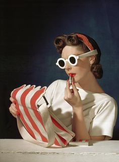 Muriel Maxwell - July 1939 - Vogue US Cover - Photo by Horst P. Horst - http://www.horstphorst.com/