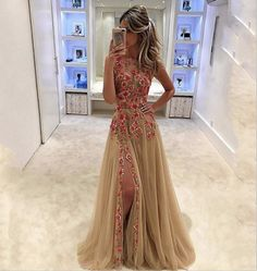 I found some amazing stuff, open it to learn more! Don't wait:https://m.dhgate.com/product/2017-champagne-scoop-neck-evening-gowns-colorful/399701943.html